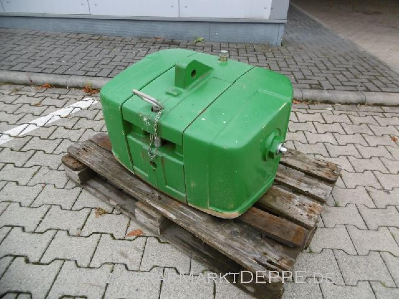 John Deere Pick-Up 900 kg