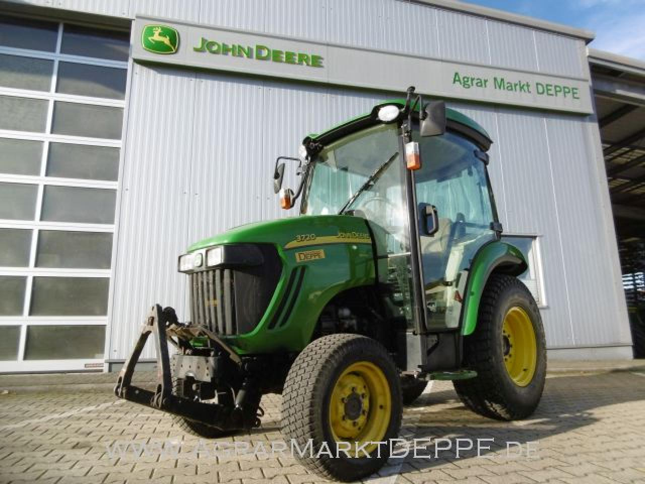 John Deere 3720 Kompakttraktor