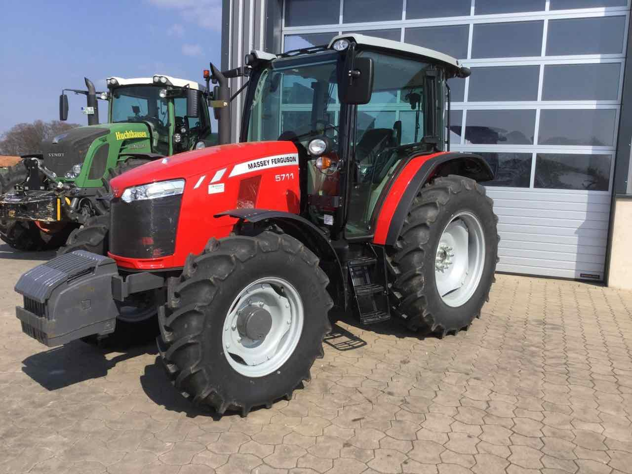 Massey Ferguson 5711 Global Series