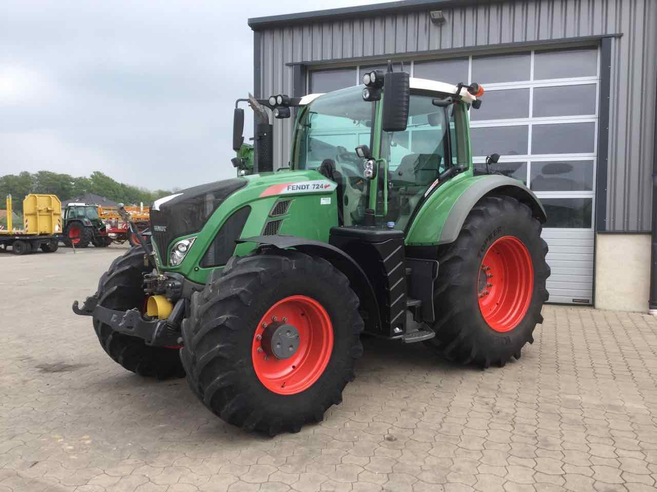 FENDT 724 Profi Plus mit RTK