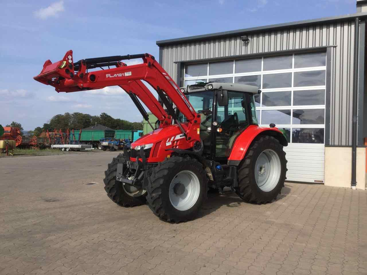 Massey Ferguson 5712 SL Dyna-4 Efficient
