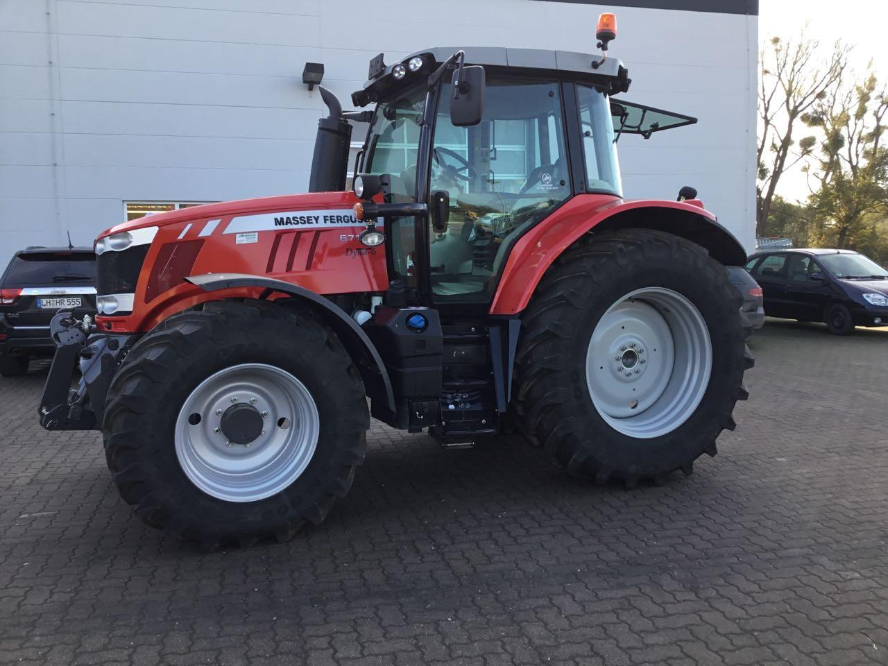 Massey Ferguson 6714S Dyna 6 - Efficient