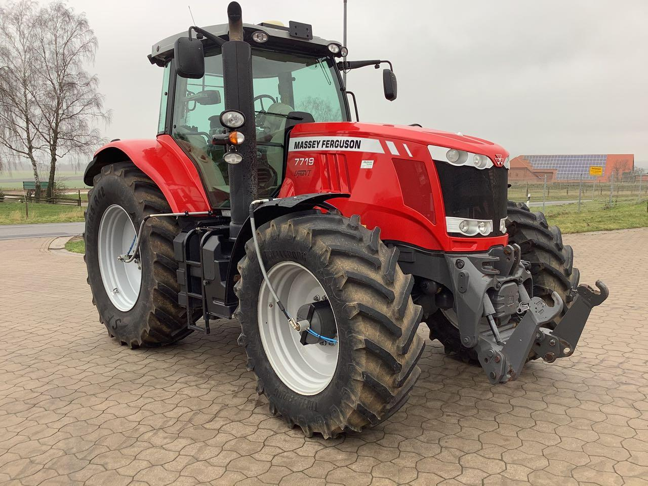 Massey Ferguson 7719 DynaVT Exclusive