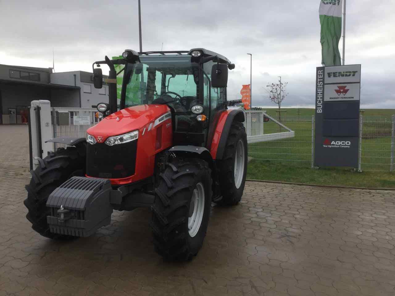 Massey Ferguson MF 5711 Global Series