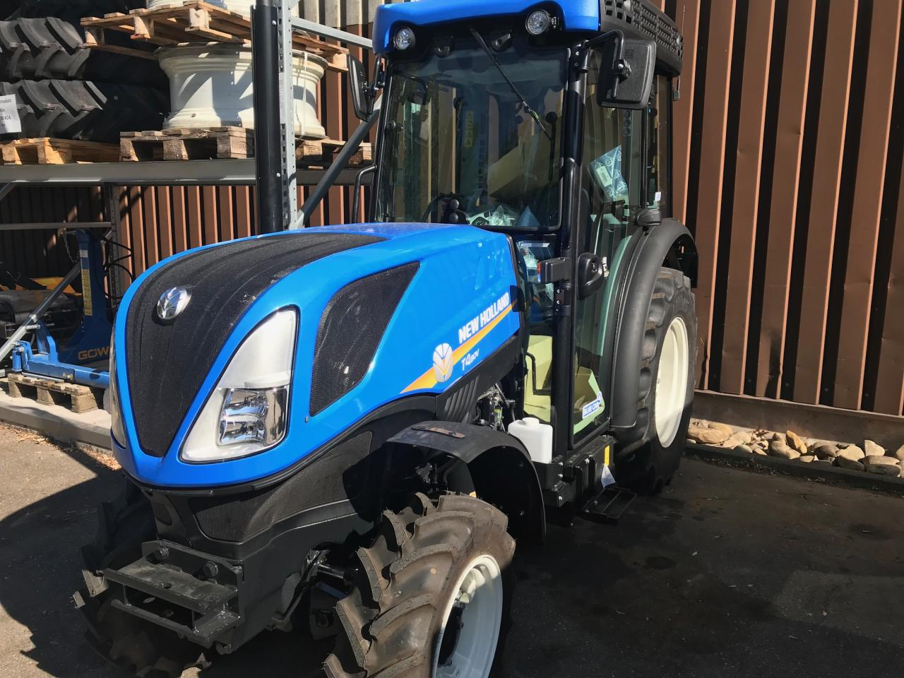 New Holland T4.80 V CAB