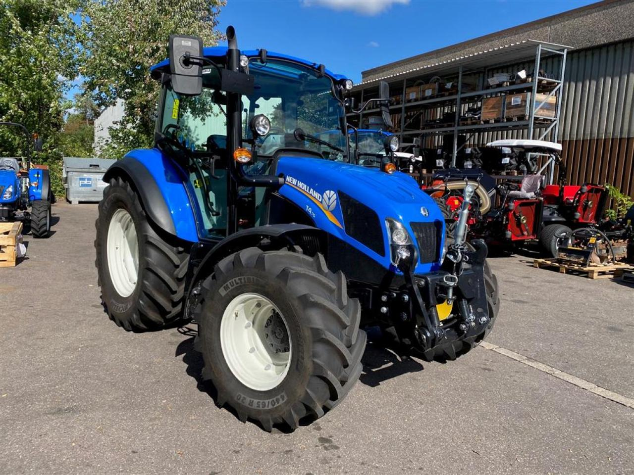 New Holland T 4.75 CAB