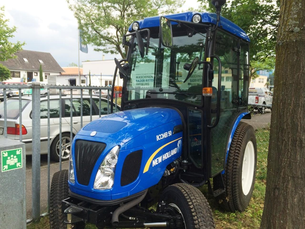 New Holland BOOMER 50HST