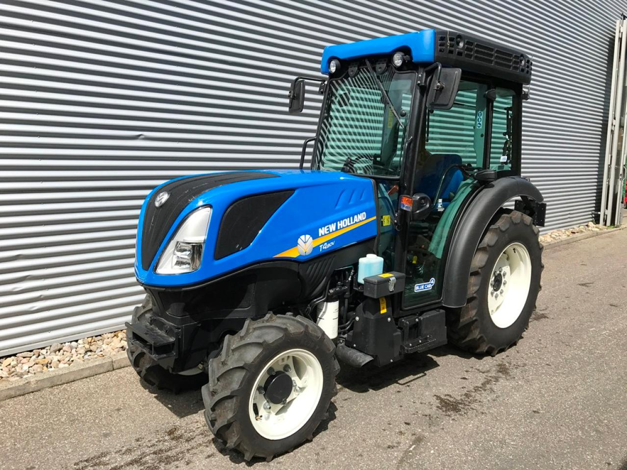New Holland T4.80V CAB