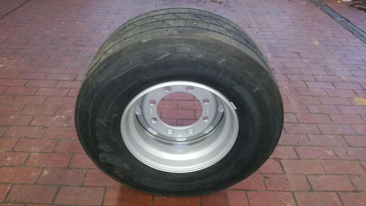 Continental 385/55R19.5 156 J