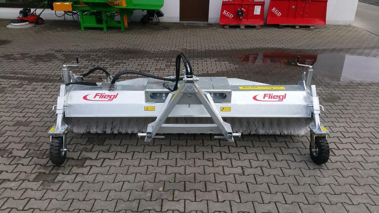 Fliegl Kehrmaschine 2,80 m