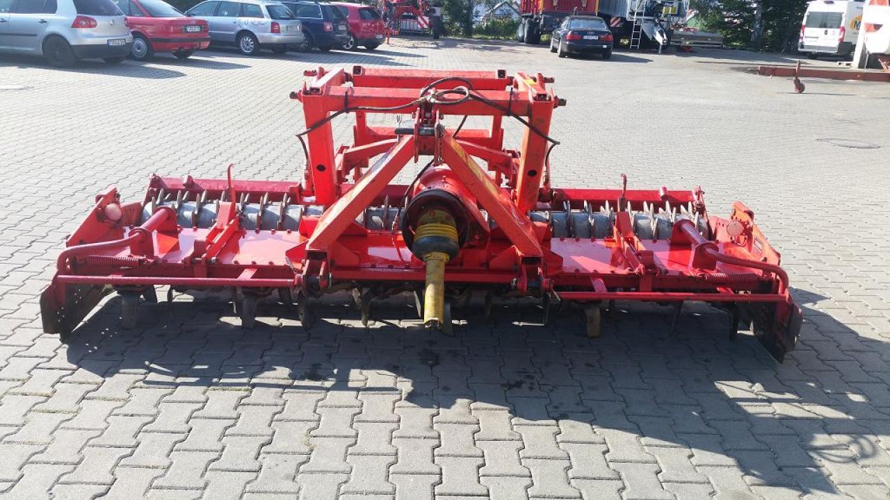 Kuhn HRB 302 D