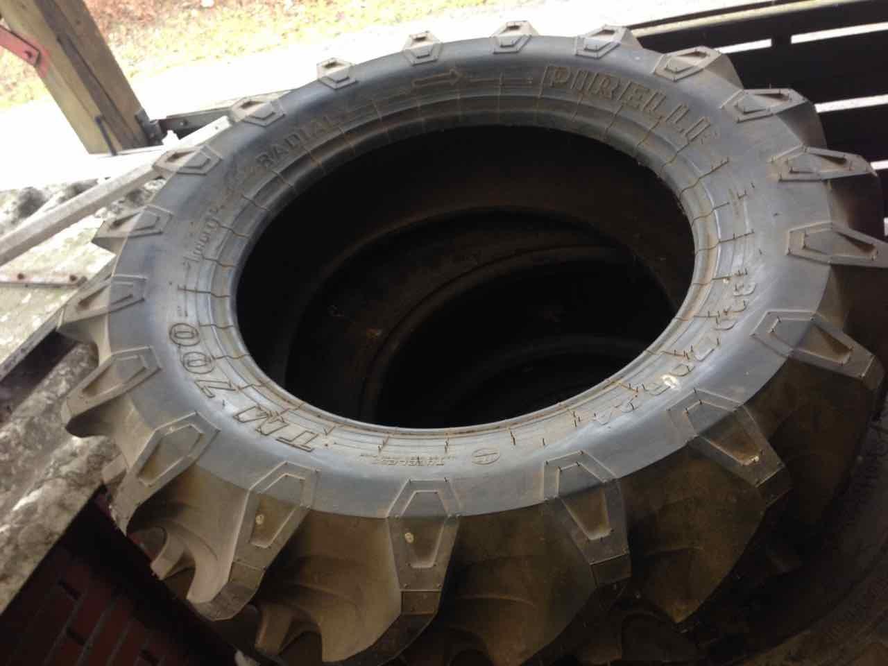Pirelli 320/70R24 / TM 700