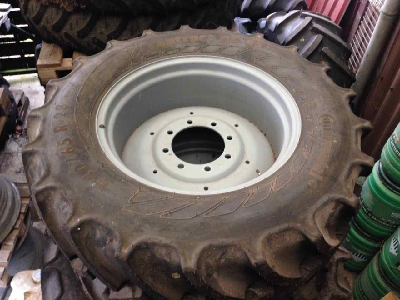 Continental 440/65R28 / AC 65