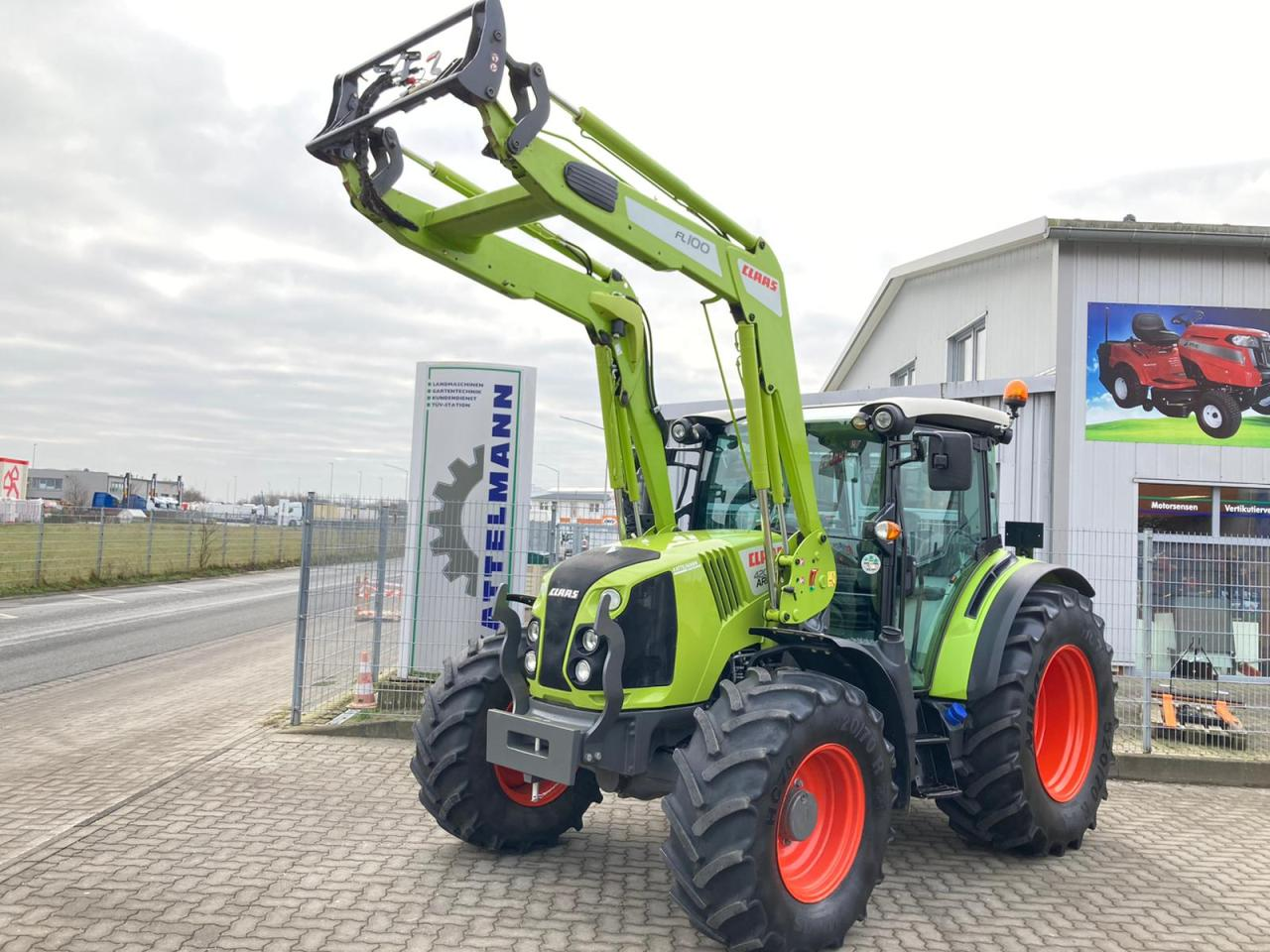 CLAAS Arion 420 Panoramic