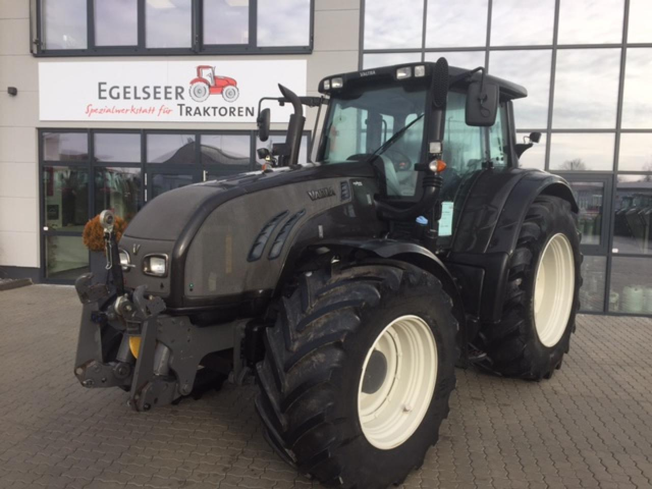 Valtra Schlepper / Traktor T203D