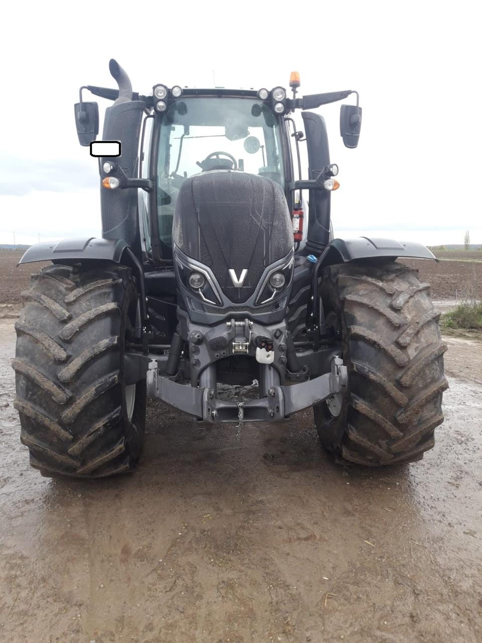 Valtra Schlepper / Traktor T 174 eA