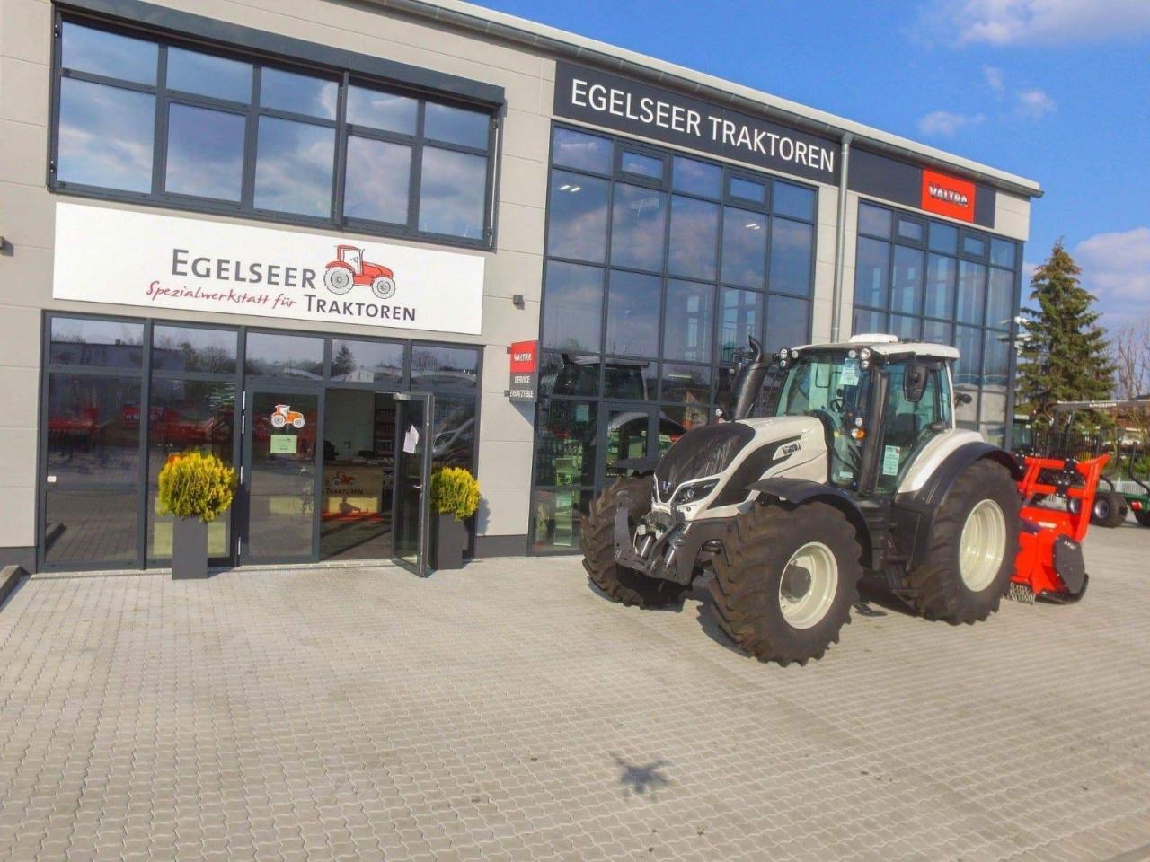 Valtra Schlepper / Traktor T234D ST VFM19