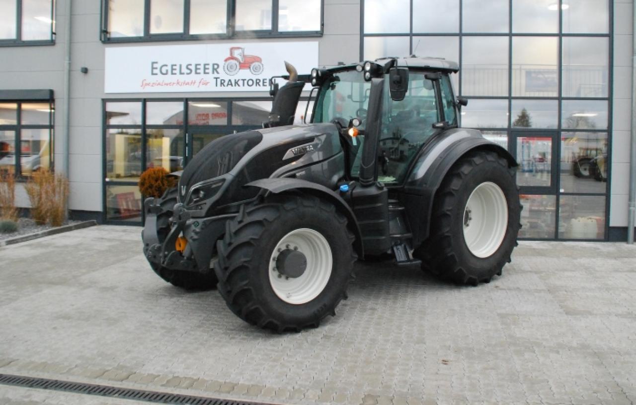 Valtra Schlepper / Traktor T234V