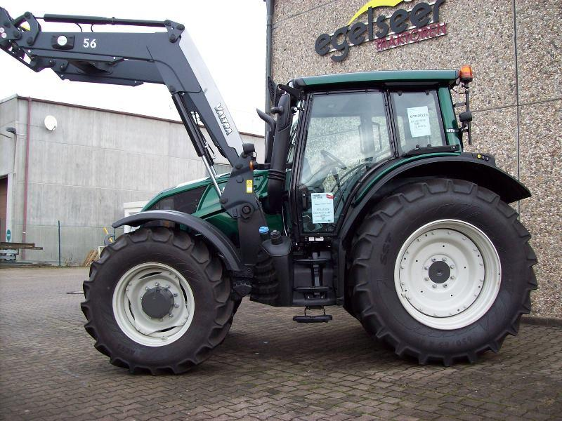 Valtra Schlepper / Traktor N143H3