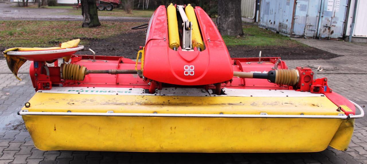 Pöttinger Novacat X8 Collector mit Novacat 301 Alpha Motion
