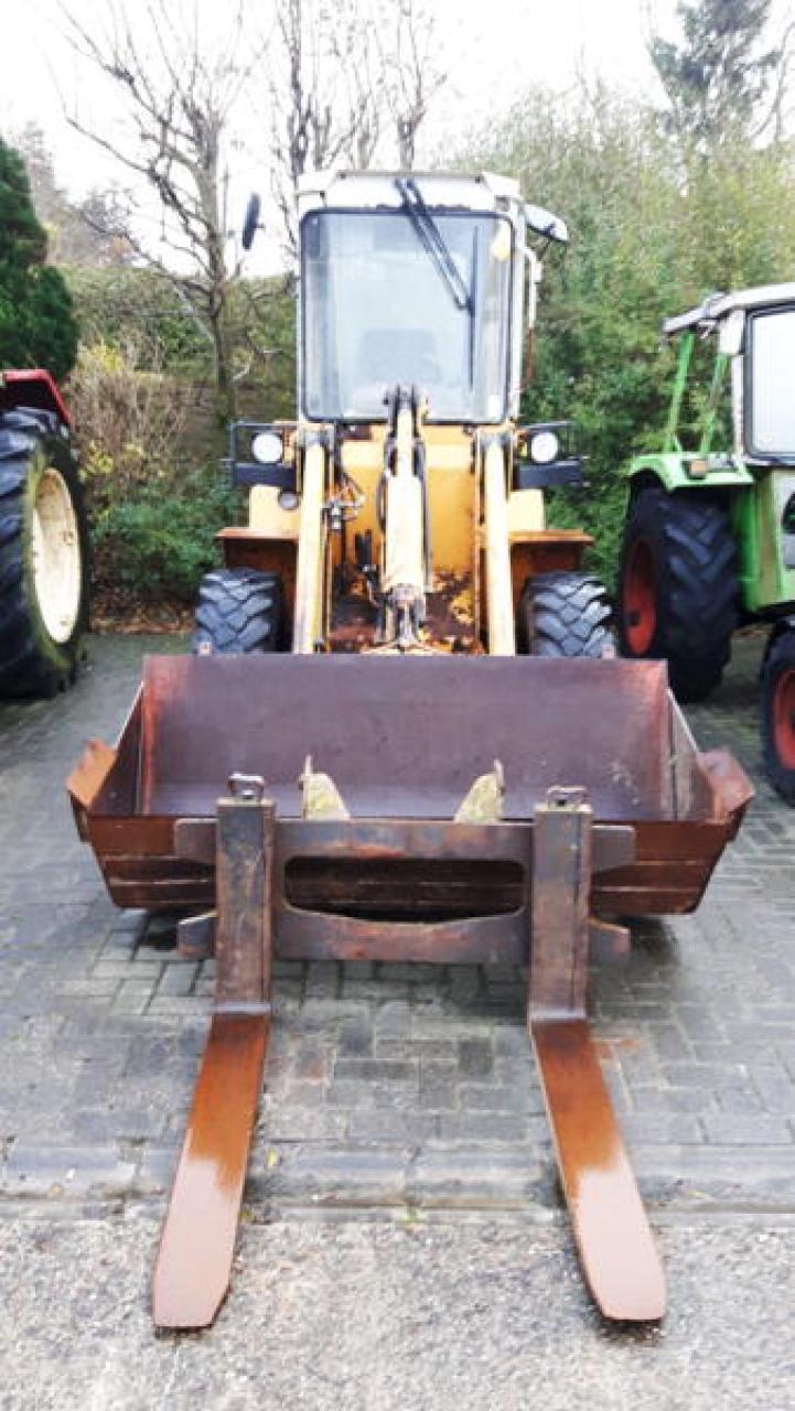 LIEBHERR 506