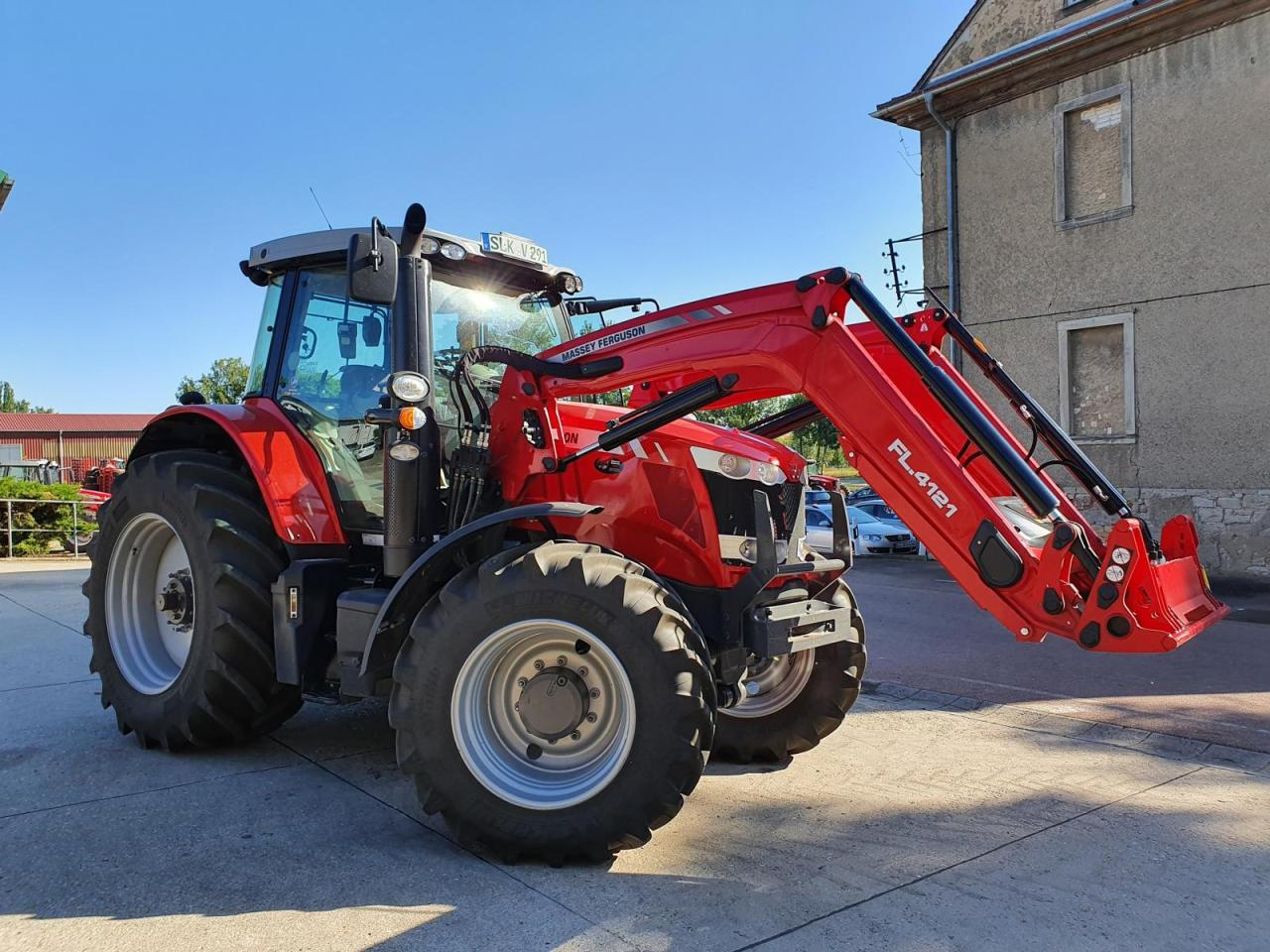 Massey Ferguson 6716S Dyna-Vt Efficient