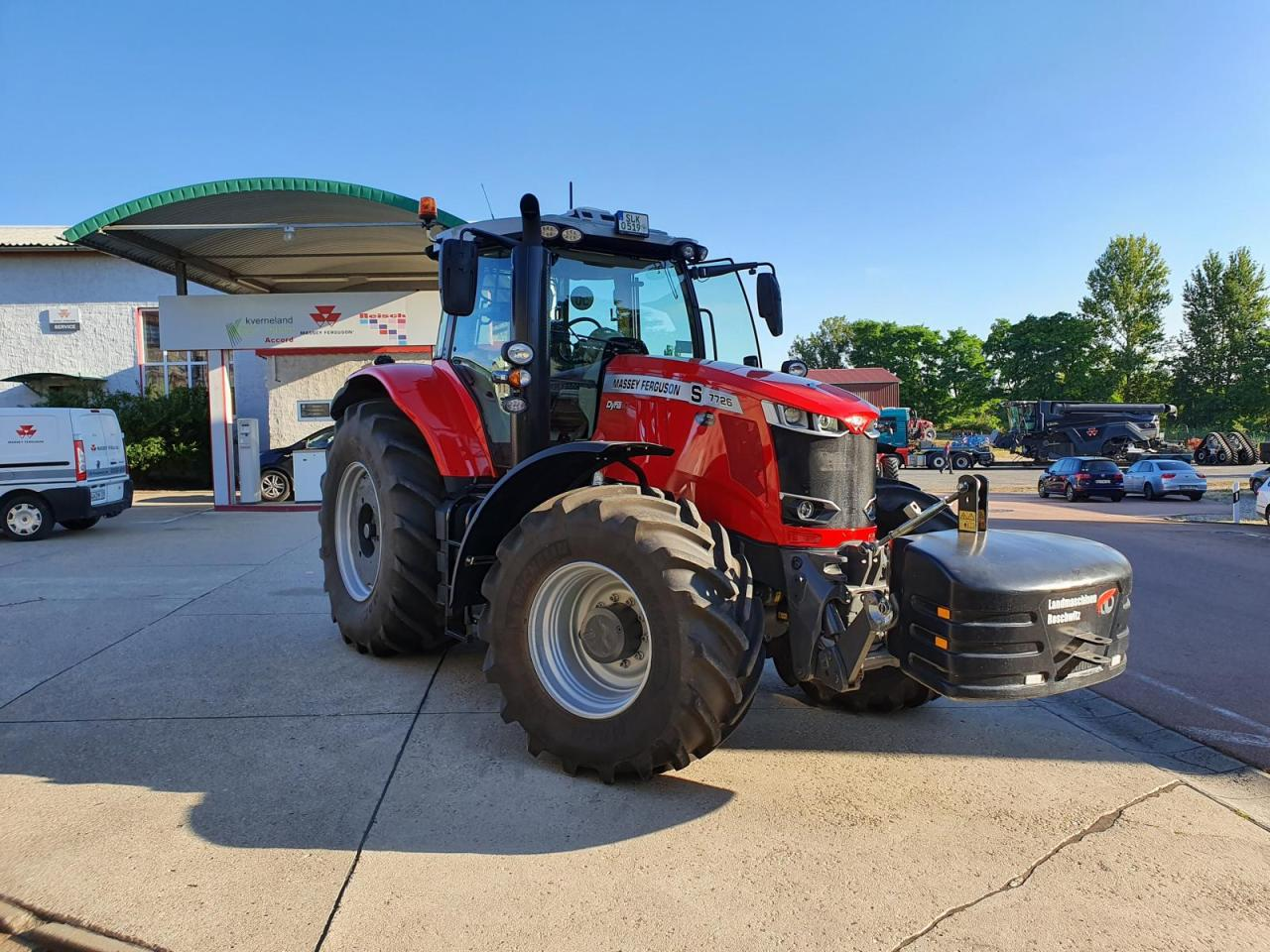 Massey Ferguson 7726S Dyna-Vt Exclusive
