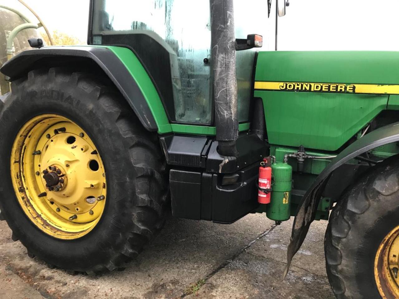 John Deere 8300 Powrshift