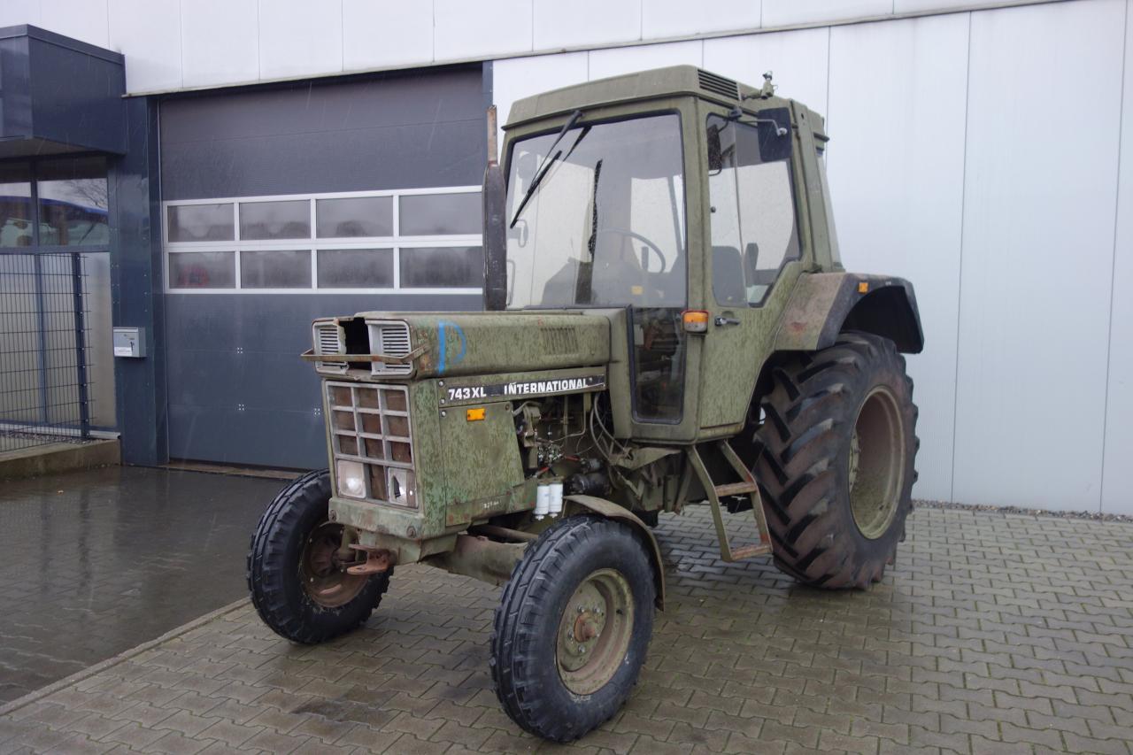Case IHC 743 XL ex-Armee