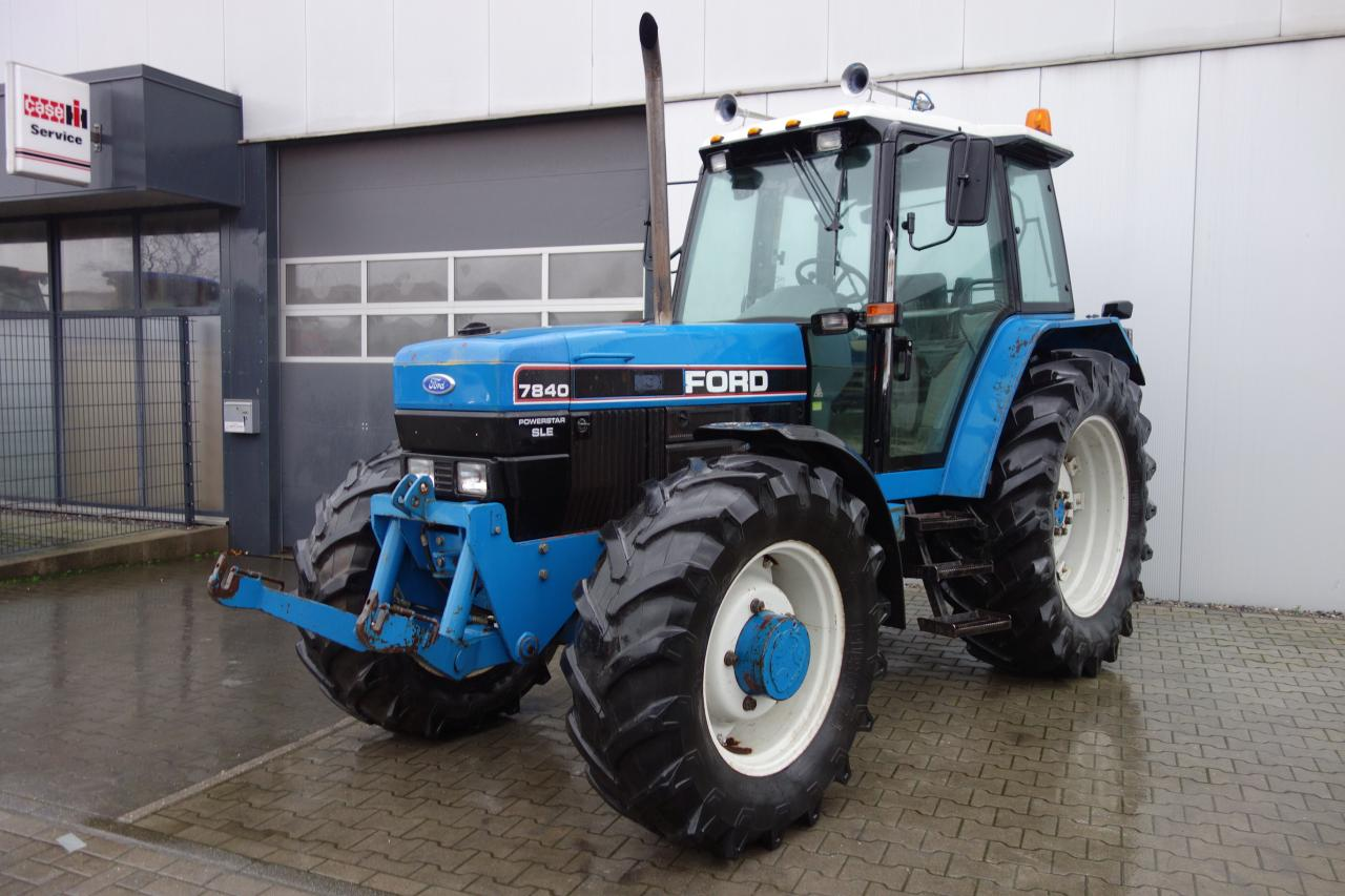 New Holland Ford 7840