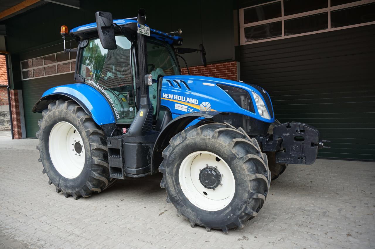 New Holland T6.145 Dynamic Command