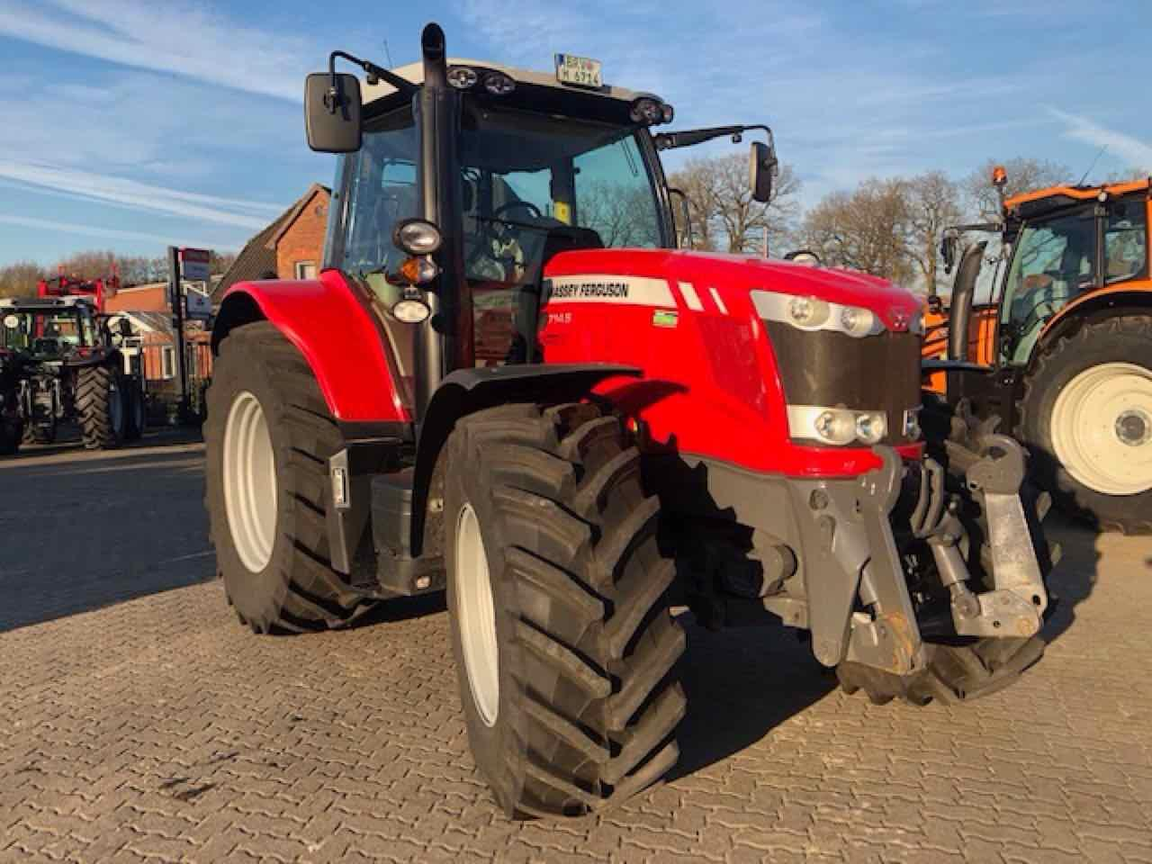 Massey Ferguson 6714 S Dyna VT efficient